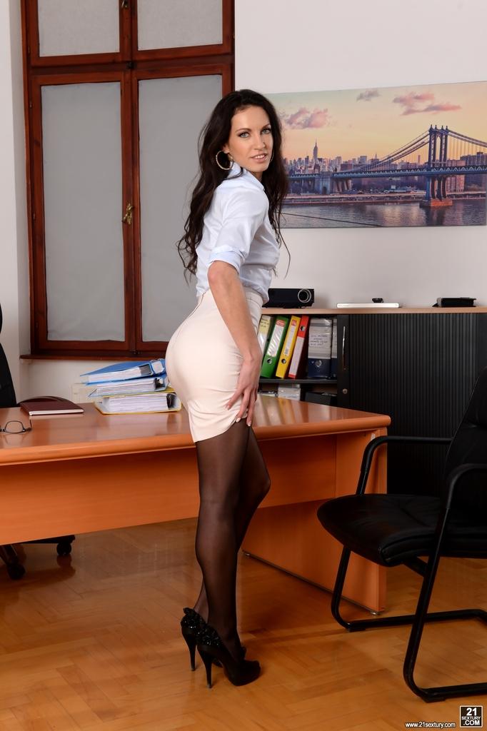 порно в чулках и каблуках с сикретаршей