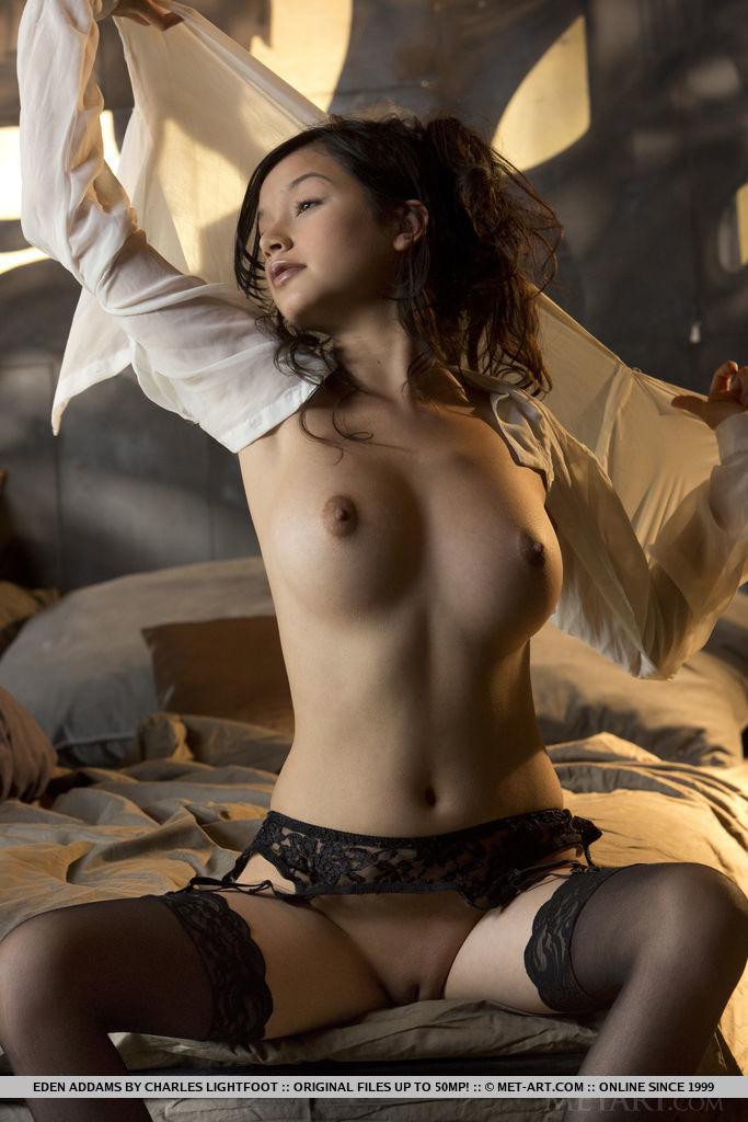 девушки брюнетки в чулках порно