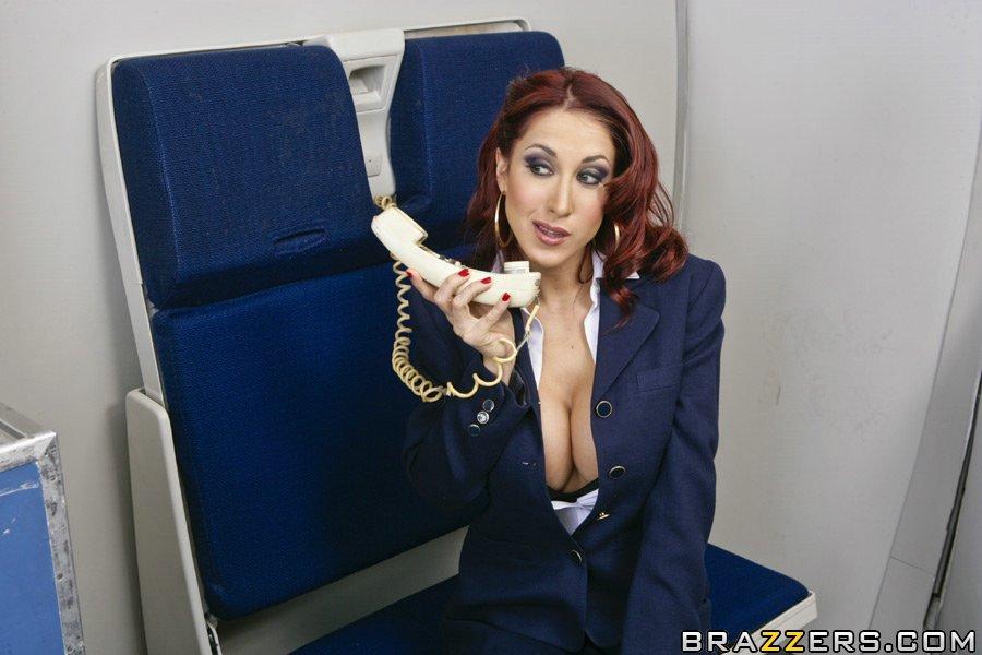 Порно рыжая стюардесса