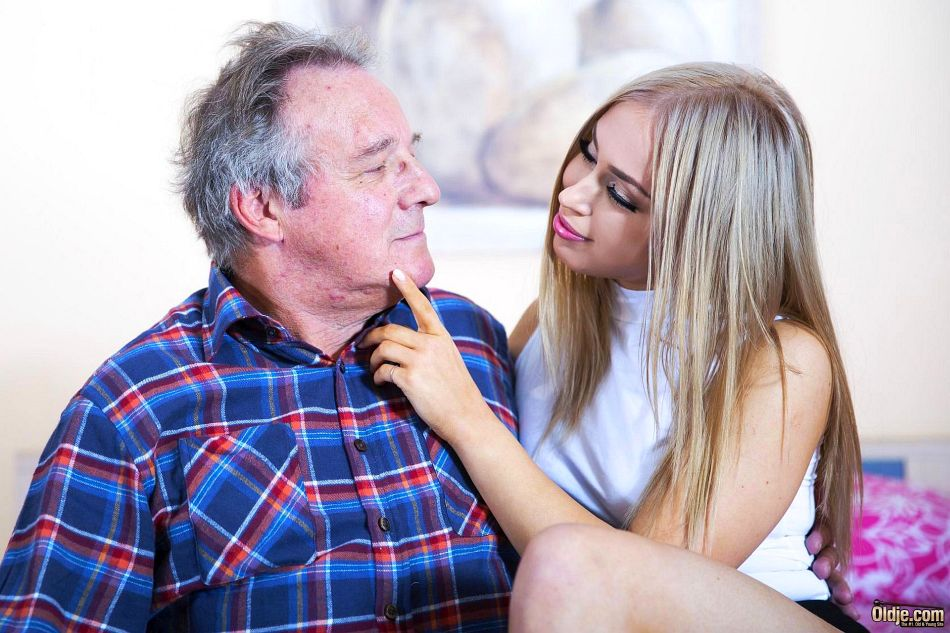 секс старика с молодой девочкой