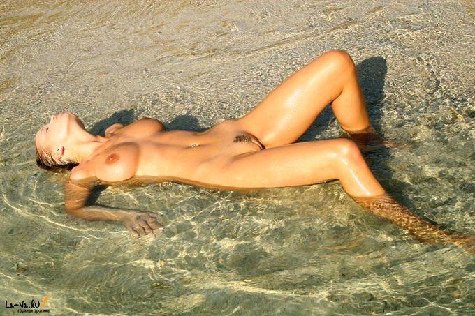 Пляж ню фото