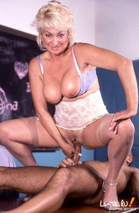 Изучают эротические позы - фото #9