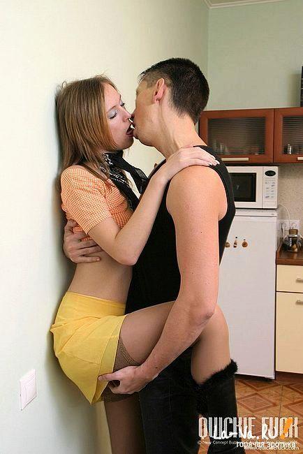 Трахнуть жену сина фото 308-650