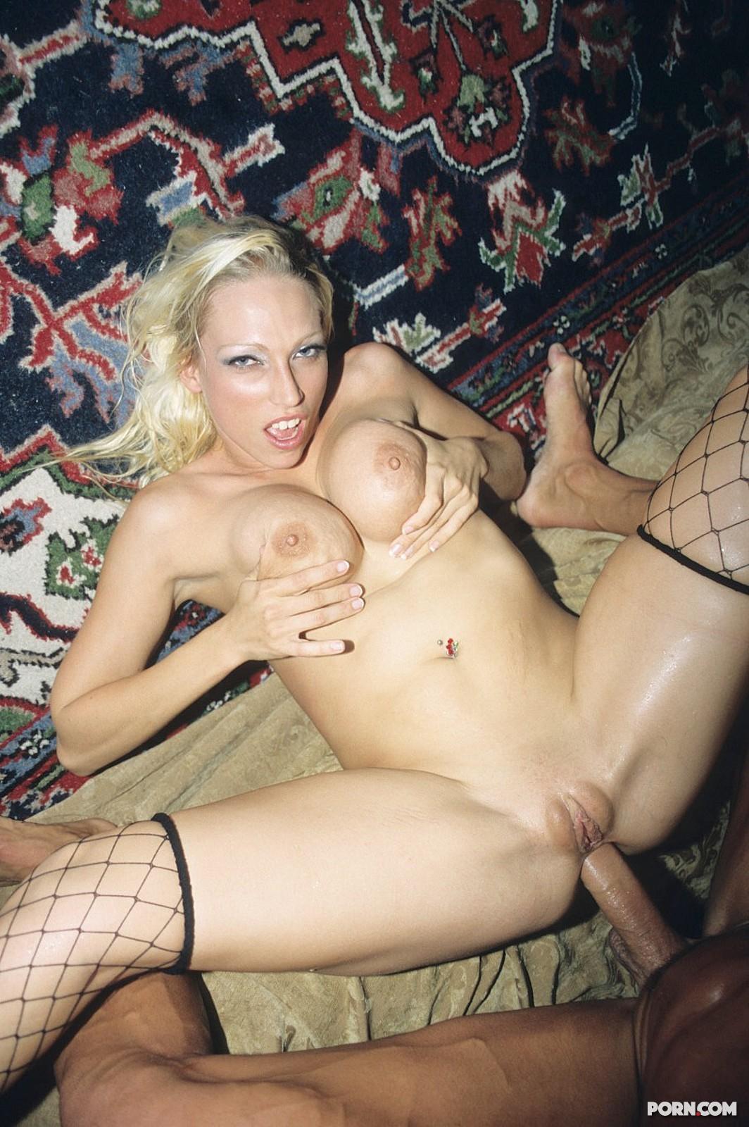 Растянутые дыры порно фото 14 фотография