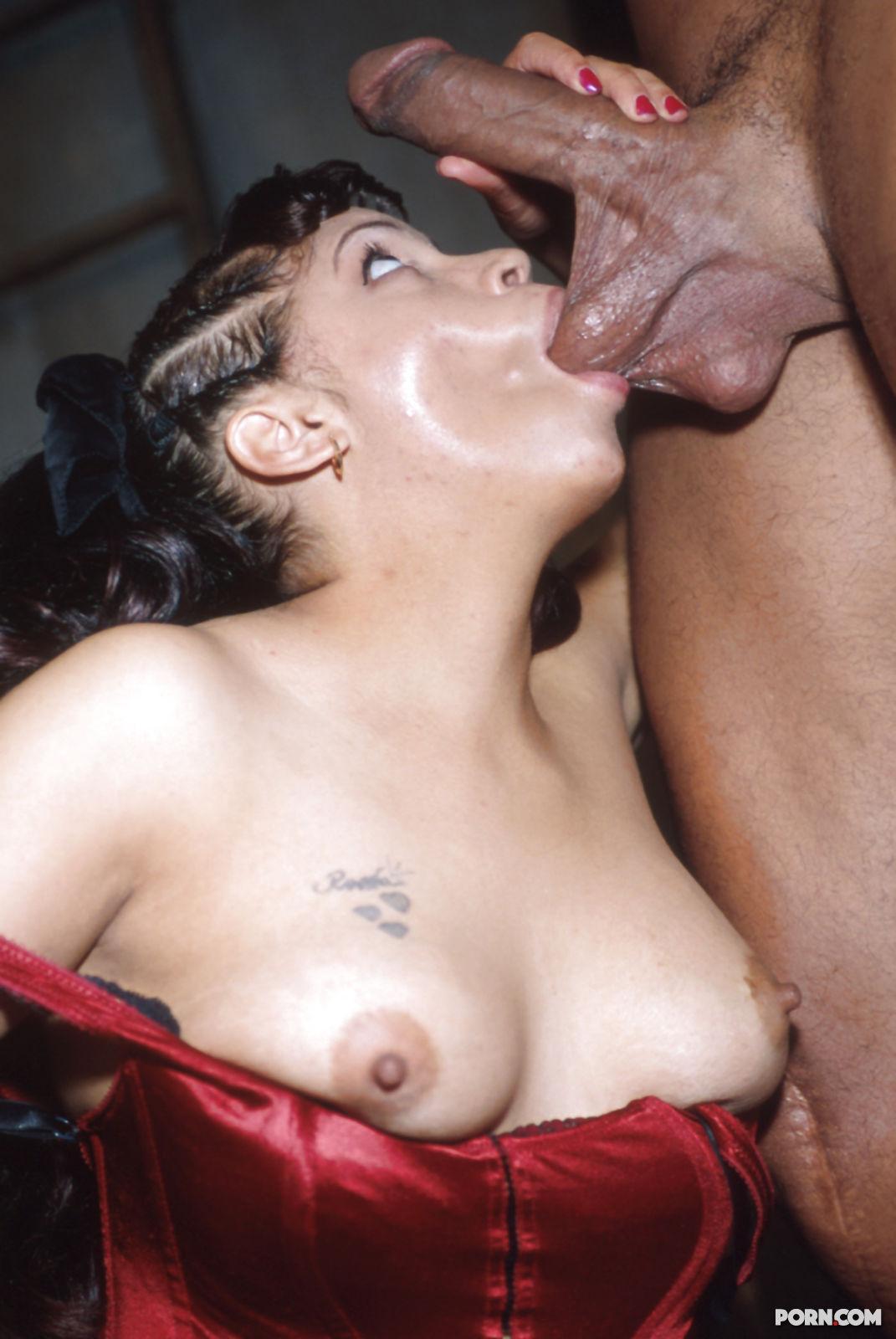 Пьющая сперму порно фото 3 фотография