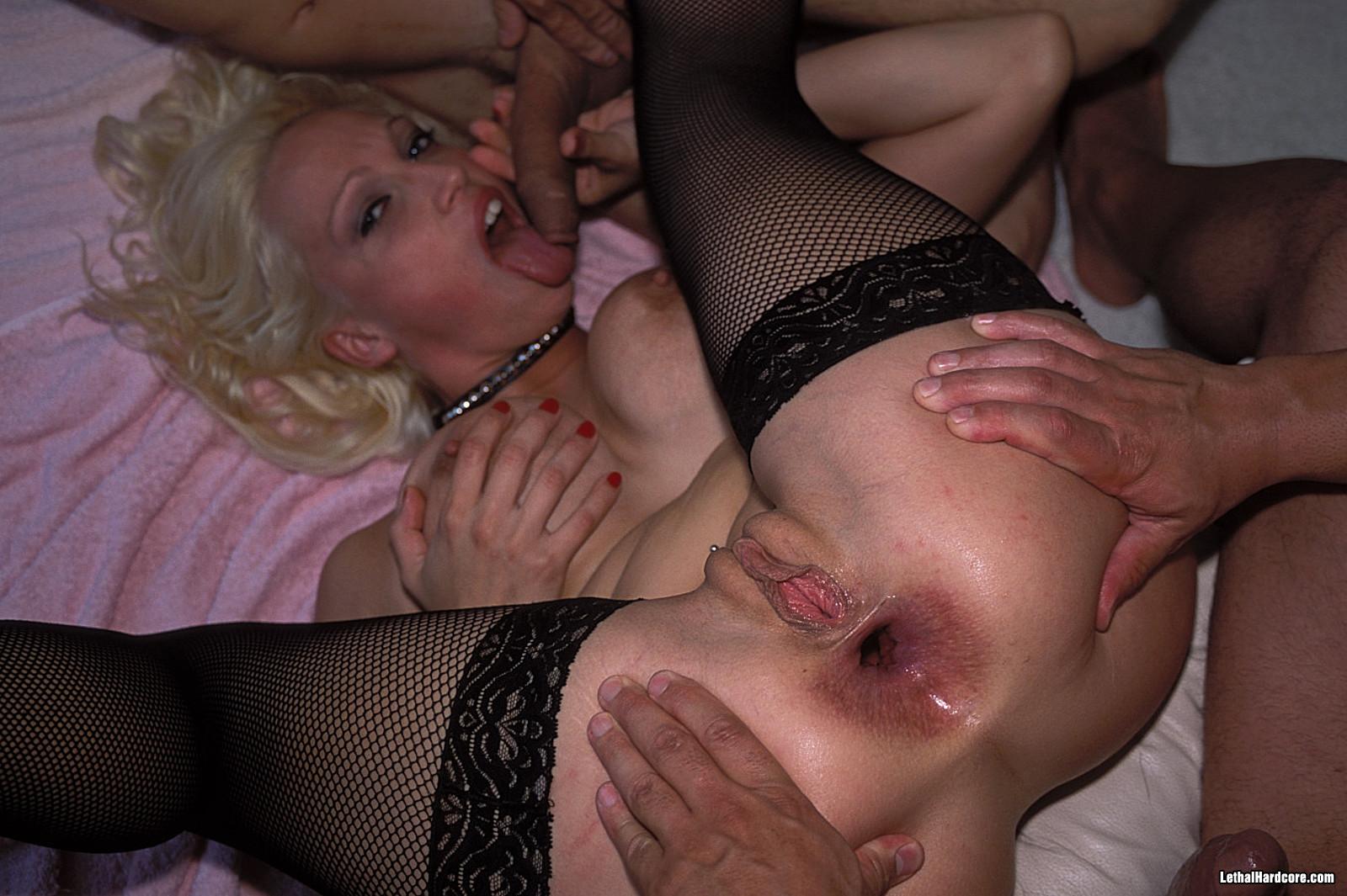 Порно русское ебать в жопу проститутку красивое соло