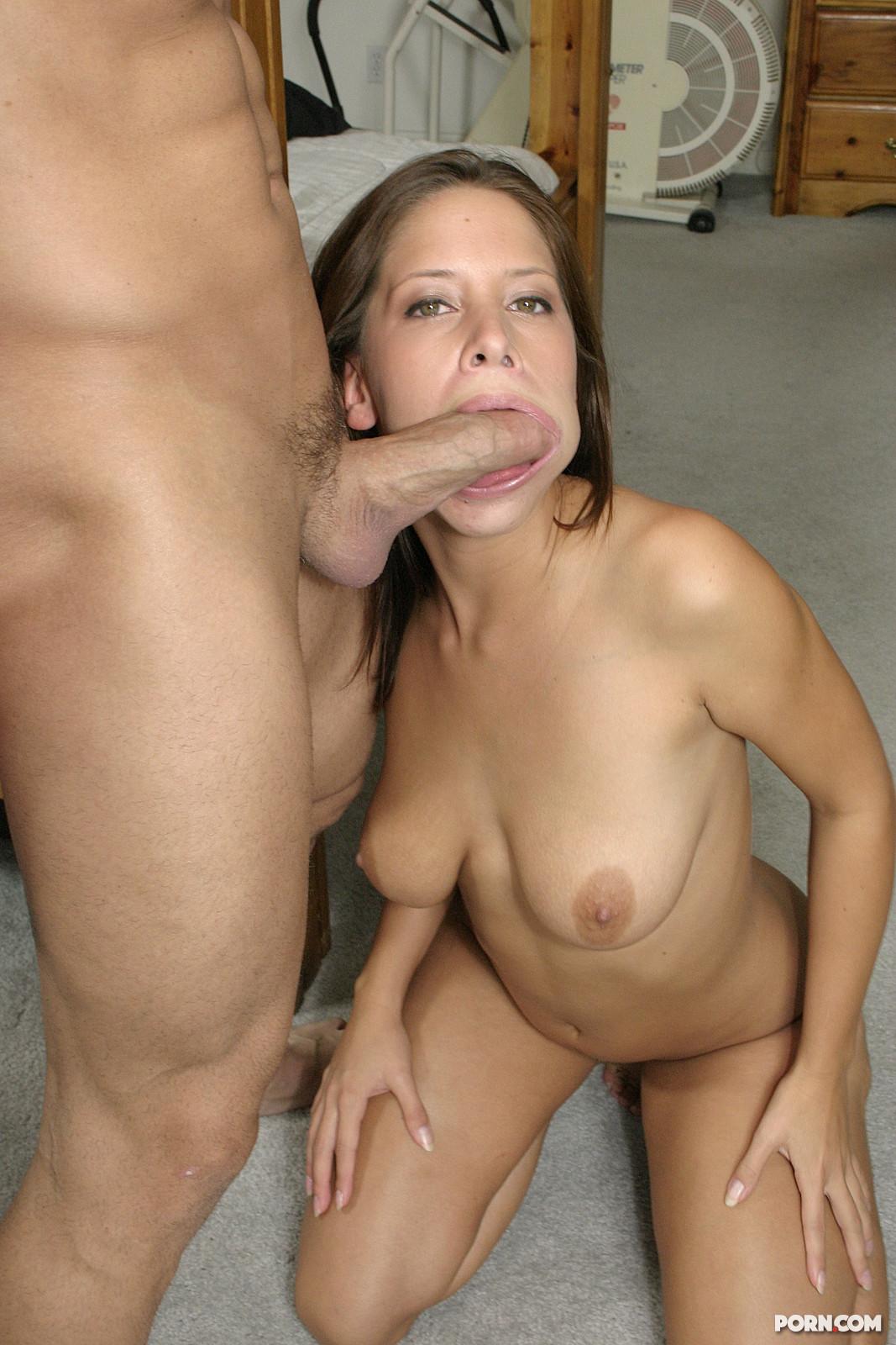 жена заставила меня взять член в рот