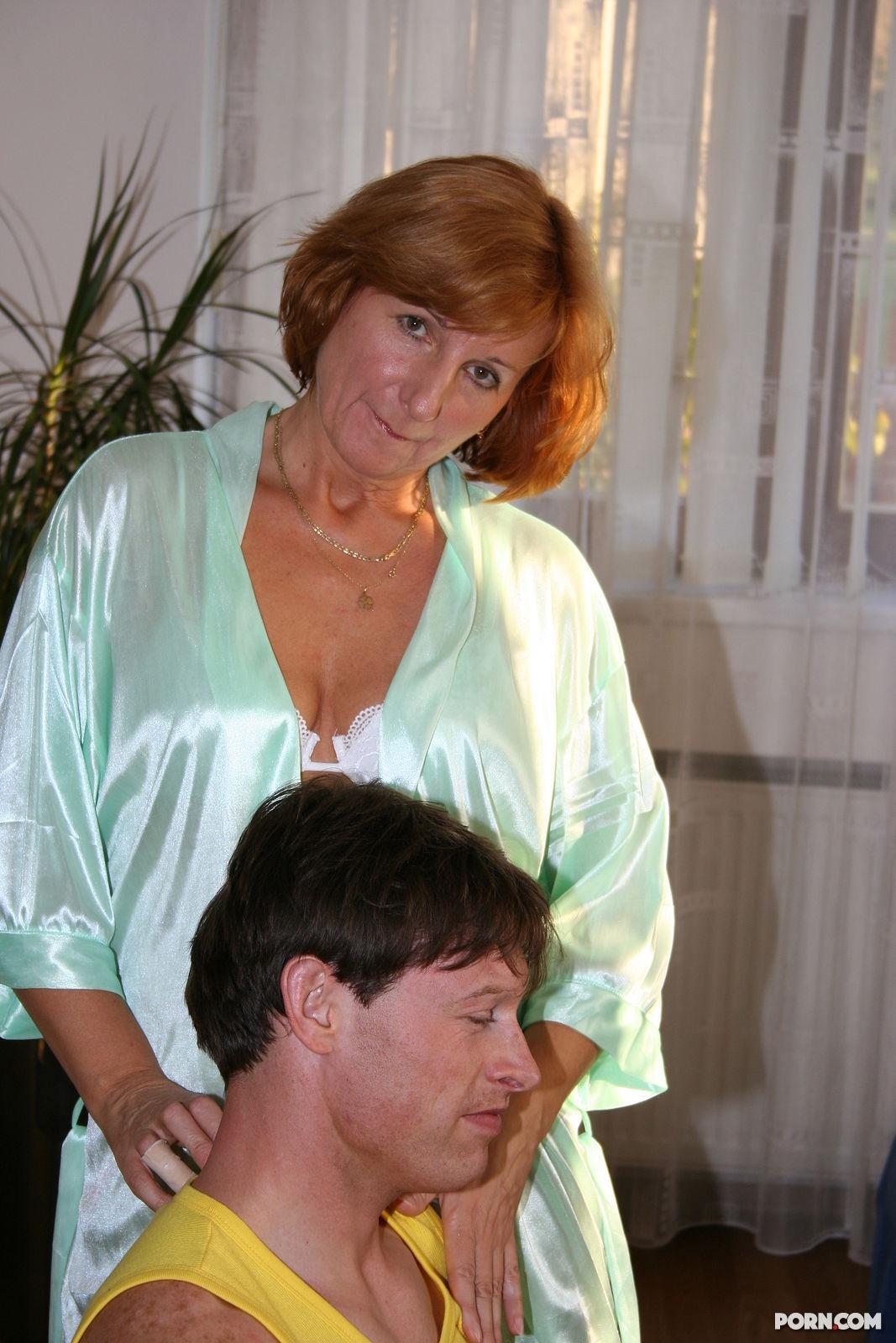 Порно зрелая тетка и молодой любовник — pic 2