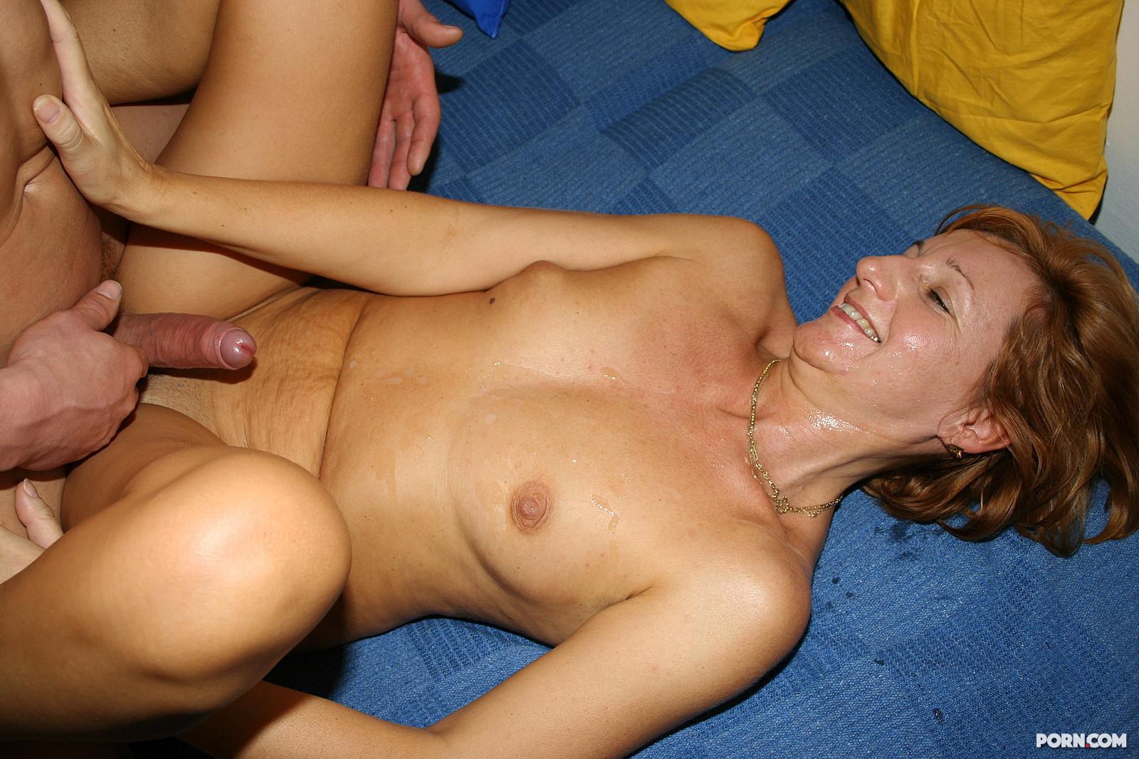 порно зрелая с молодым