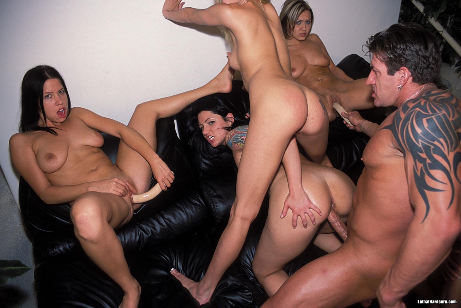 Студенческое порно в общаге ролики, Порно русских студенток (18 лет) на 18 фотография