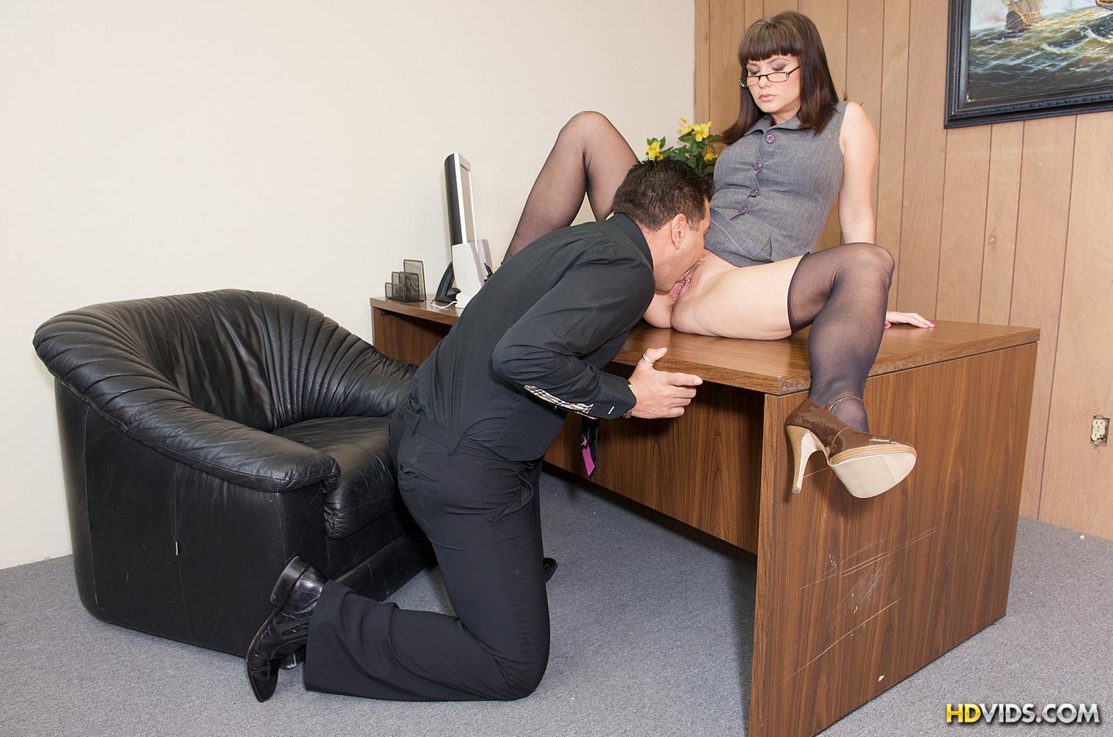 Секретарь куни порно 18 фотография