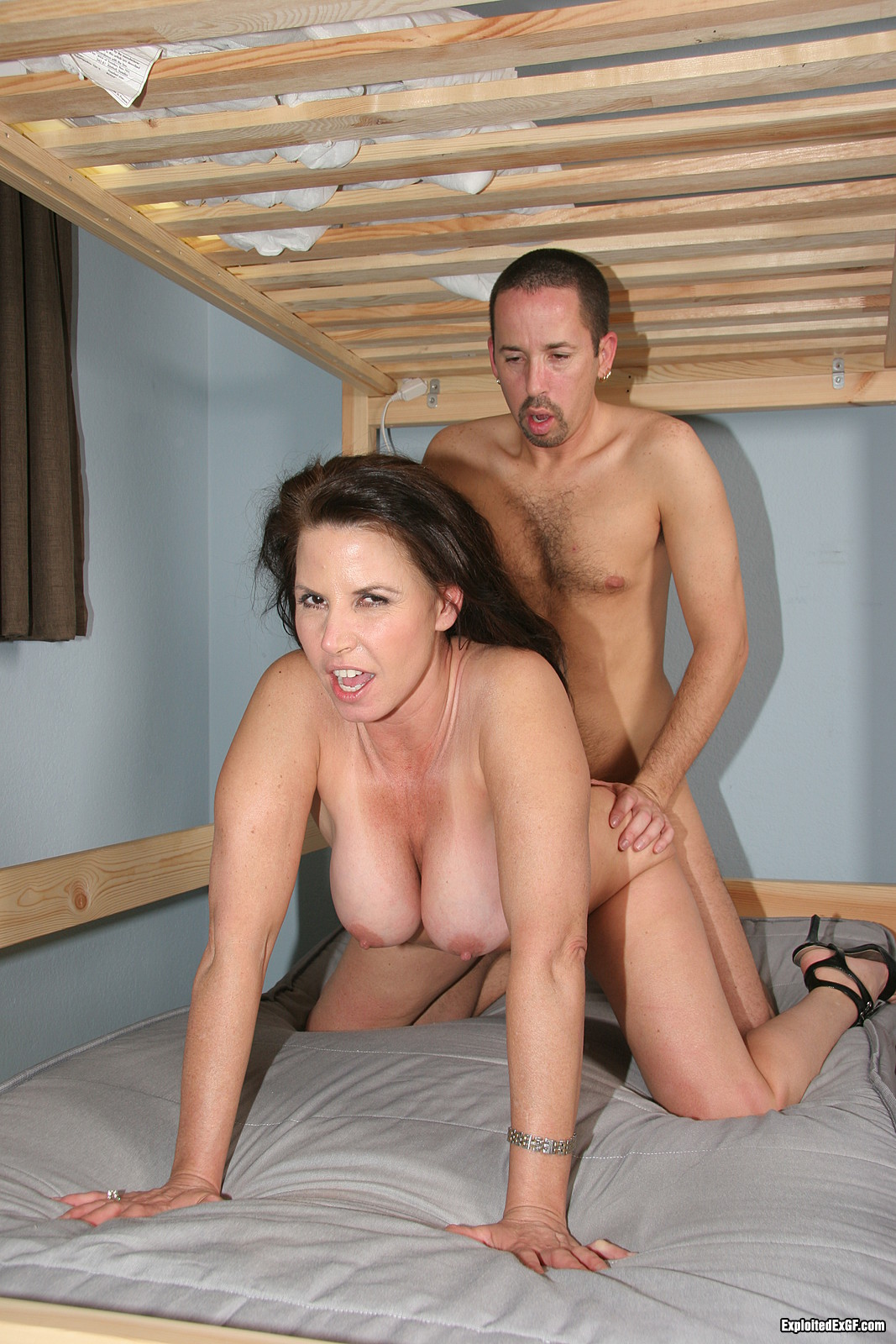 Reluctant Mom Porn