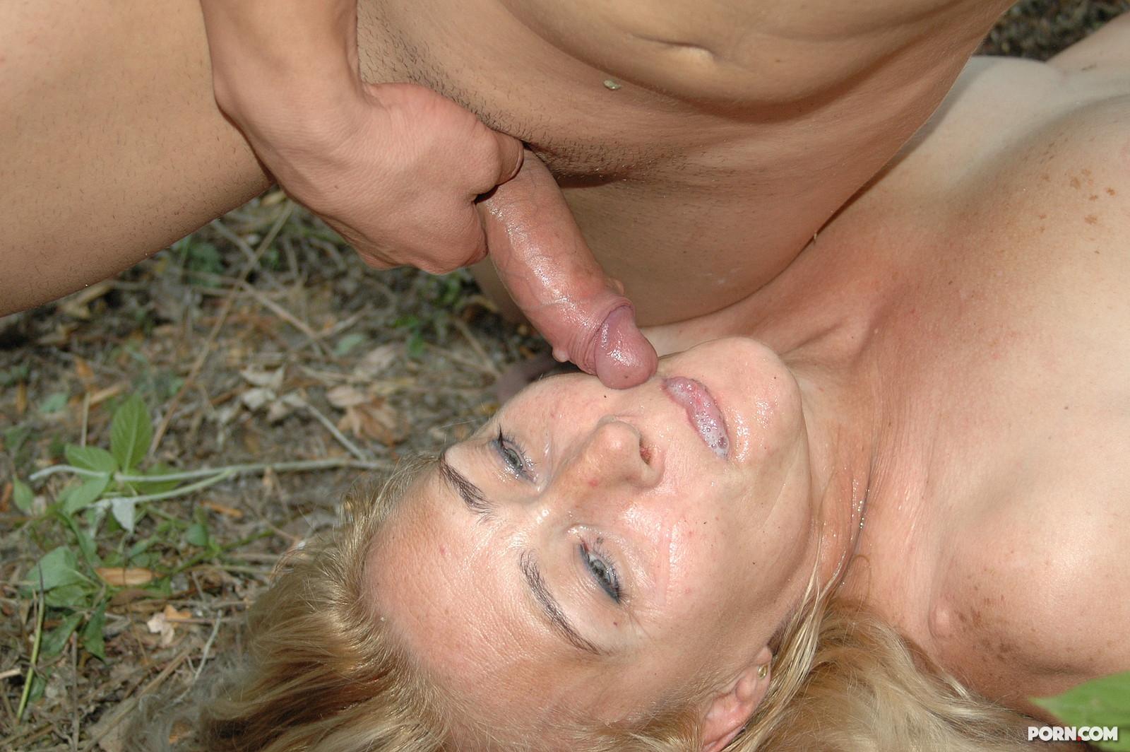 голые зрелые женщины занимаются сексом