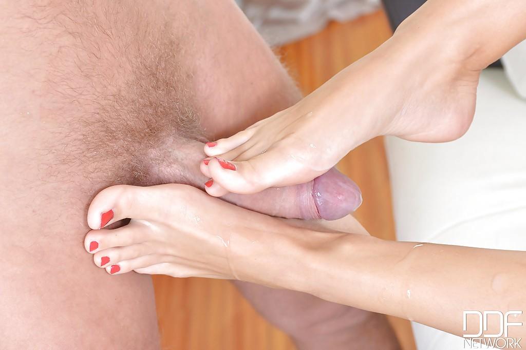 Sexy creamed feet