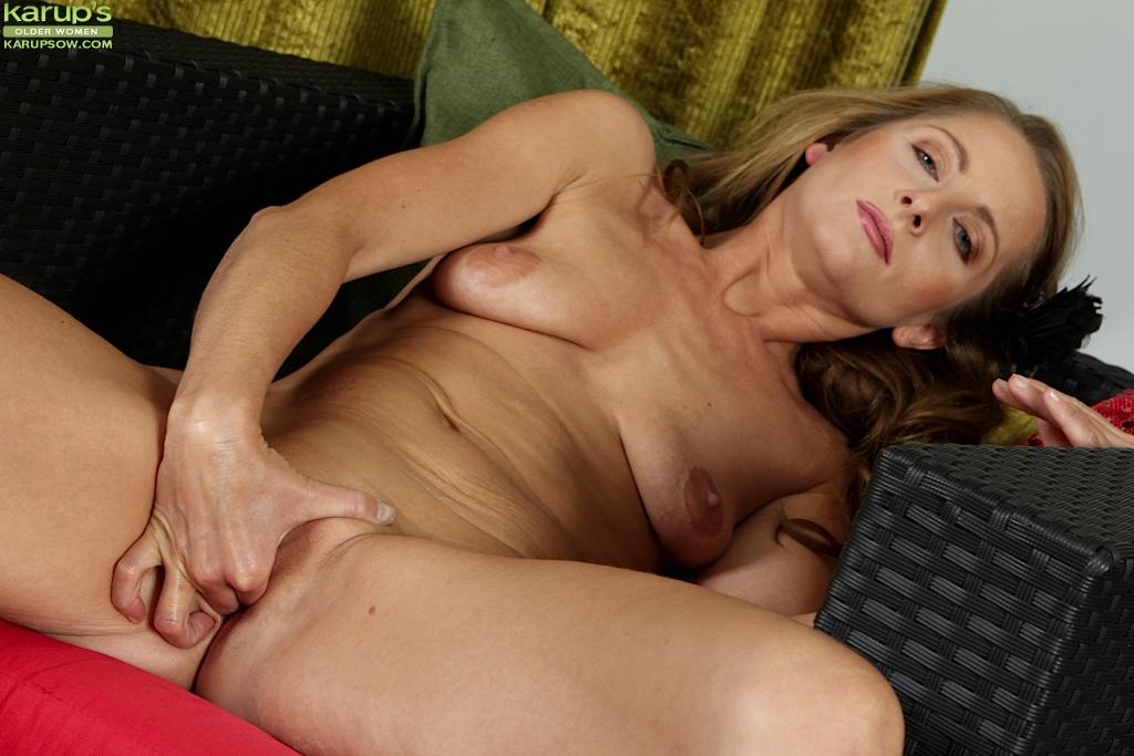 Hot mature sluts moaning