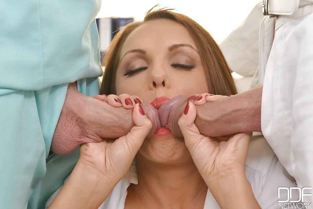 и миньет медсестра гороловой