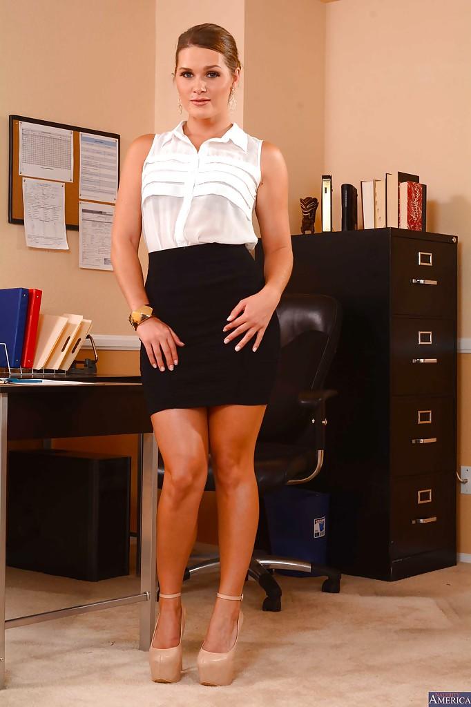 Эротика в офисе фото, любительский фетиш онлайн
