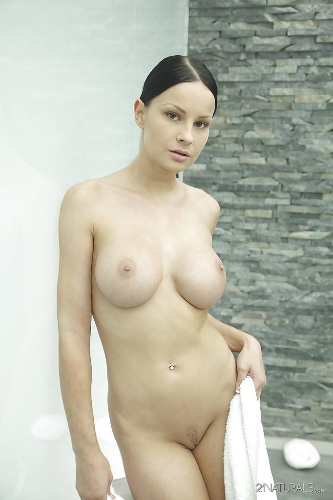 seks-foto-devushek-s-bolshoy-grudyu
